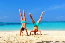 stojka Lenky a Petra na pláži