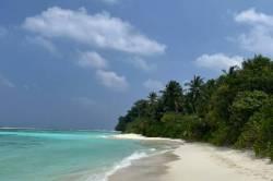 pláž ostrova Thinadhoo