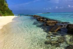 pláž ostrova Mathiveri