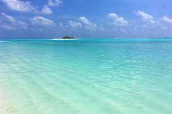 úžasná barva moře a ostrov