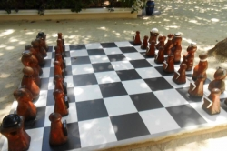 Obří plážové šachy