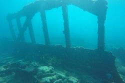 Anchor point - potopená loď na Maledivách