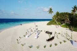 svatba na pláži Maledivy