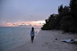 podvečerní procházka na pláži