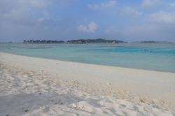 Bikini pláž Huraa