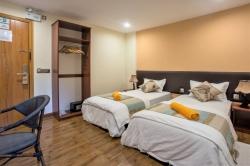 single bed pokoj