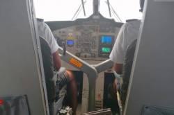 pohled do kokpitu letadla