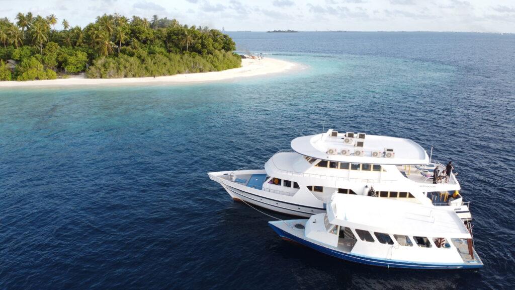 jachta pro potápění na Maledivách