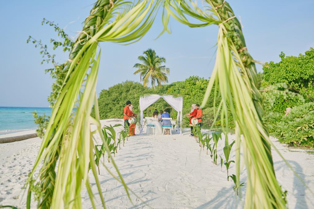 Svatební obřad na pláži Maledivy